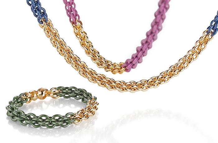 Produktbild einer Goldkette mit bunten Elementen